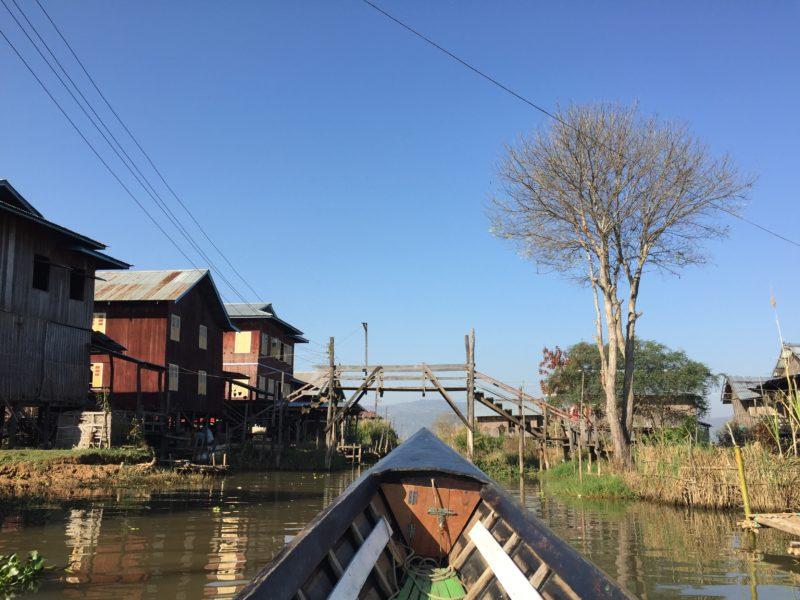casas flotantes del lago Inle