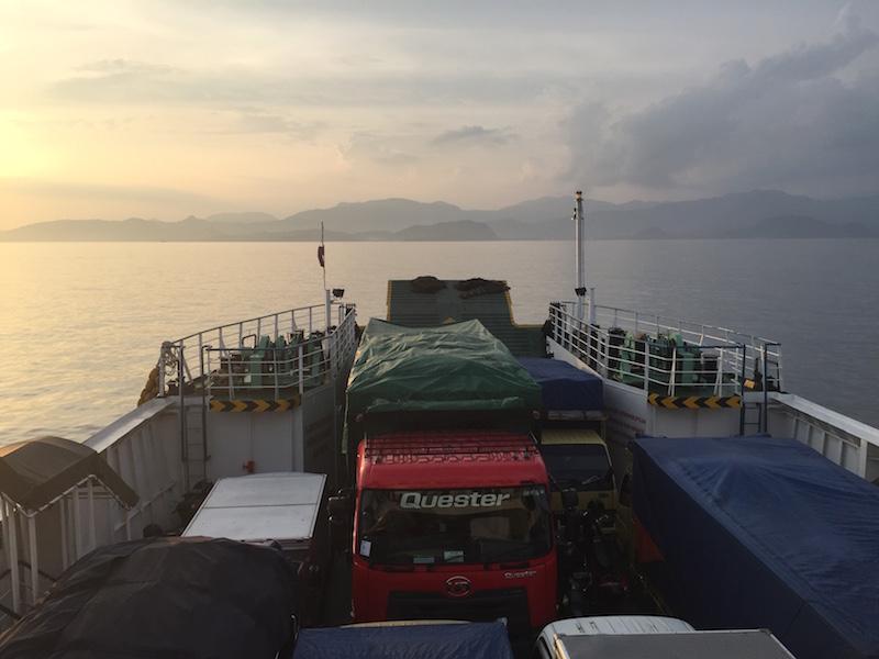 ferry a Bali desde Lombok