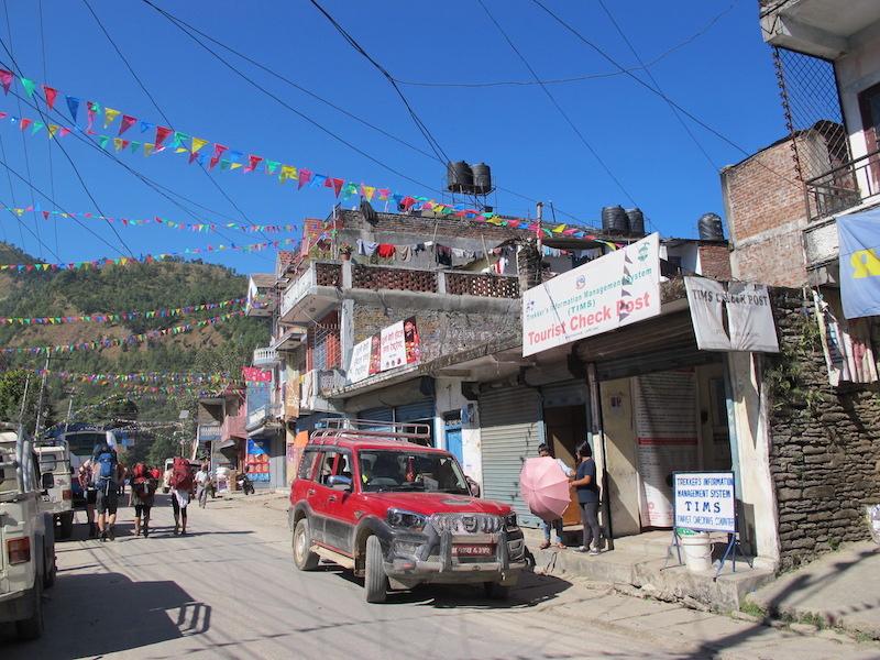checkpoint en Besisahar, Nepal
