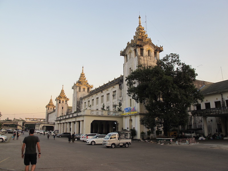 Estación central de Yangon