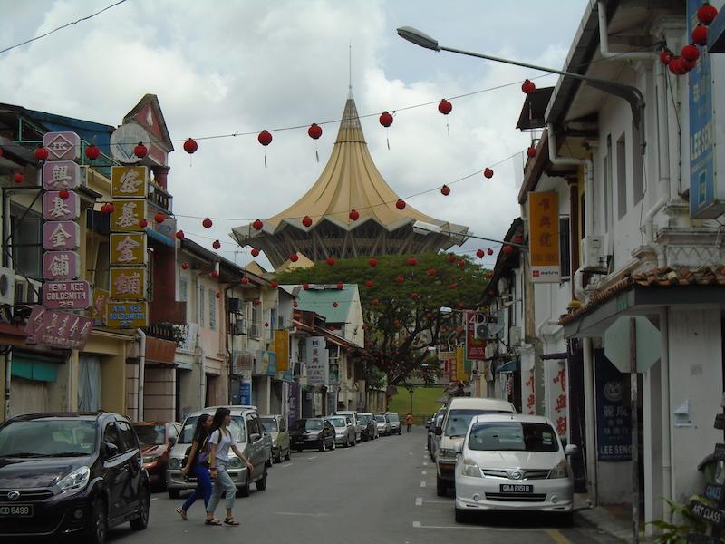 Kuching y sus contrastes